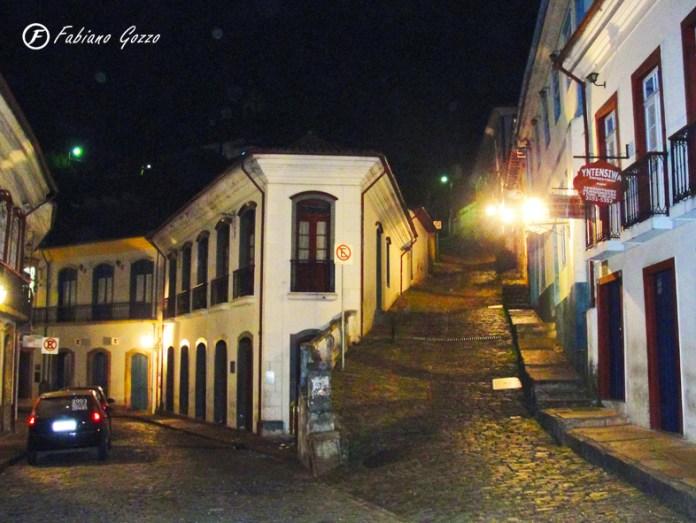 Esquina da Rua São José, rua dos bancos, comércio, Correios e da maioria dos restaurantes.
