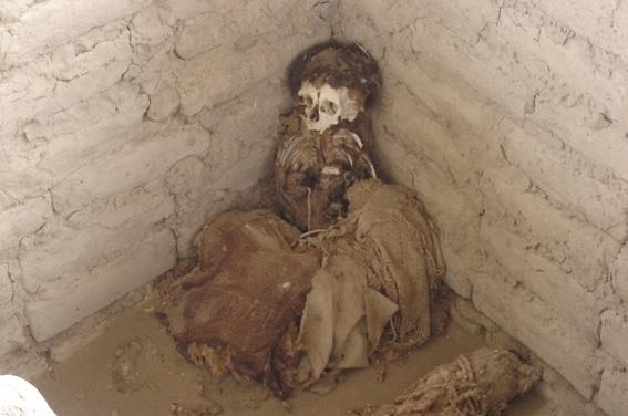 Tumulo no Cemiterio Chauchilla em Nazca