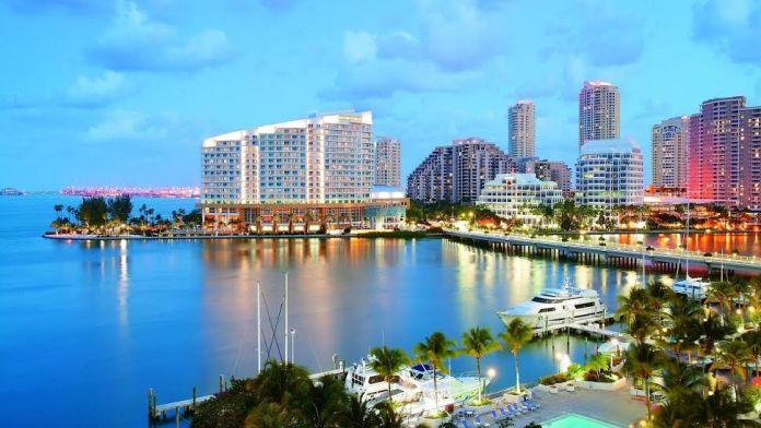 Conhecer Miami voando TAM