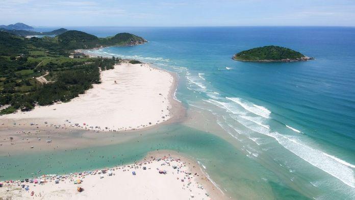 Praia Barra de Ibiraquera