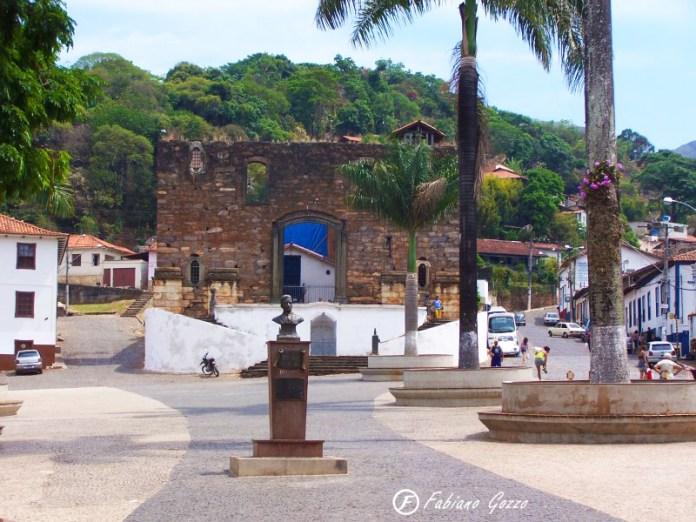 Igreja Nossa Senhora do Rosário - Construída em Sabará por ex-escravos mas nunca terminada por falta de recursos