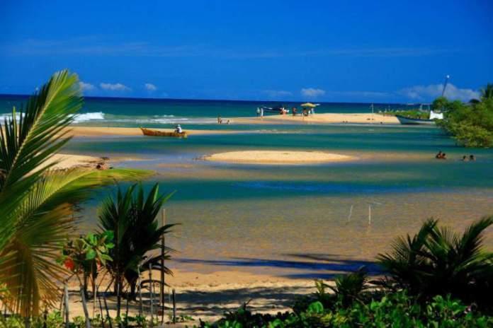 Praia Barra Velha em Caraíva é uma das melhores praias da Bahia