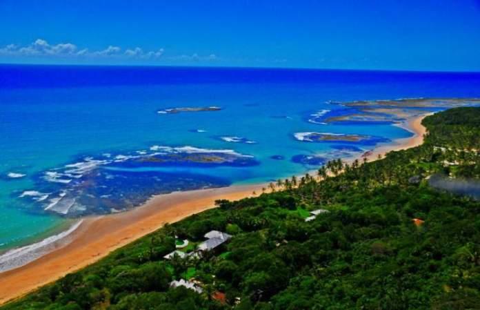 Praia de Itapororoca em Trancoso é uma das praias mais bonitas da Bahia