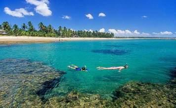 Praia do Encanto no Morro de São Paulo é uma das praias mais bonitas da Bahia