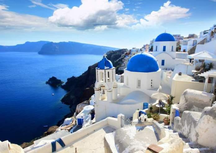 Grécia é um destino para quem deseja viajar em fevereiro