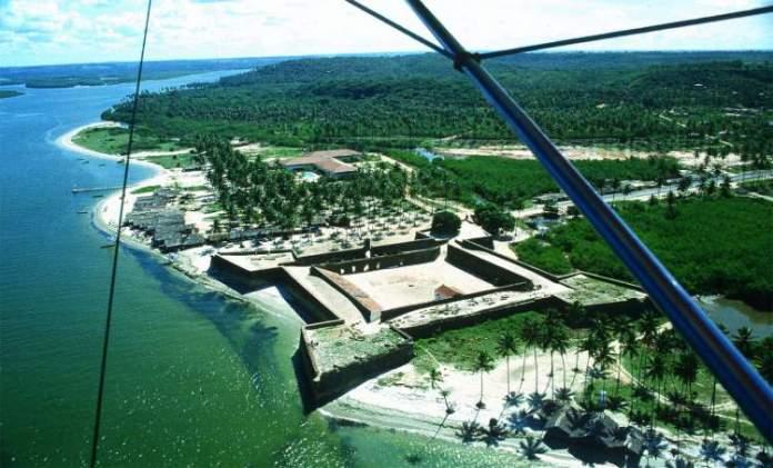 Praia de Itamaracá na Ilha de Itamaracá é uma das melhores praias de Pernambuco