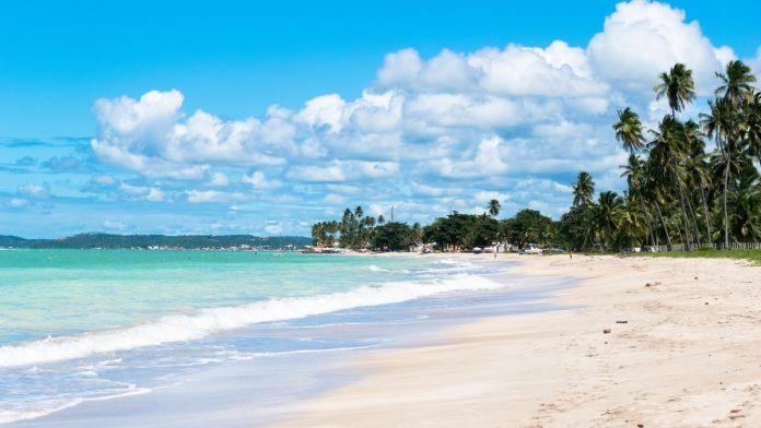 Conhecer a praia de Antunes é um dos melhores passeios em Maragogi
