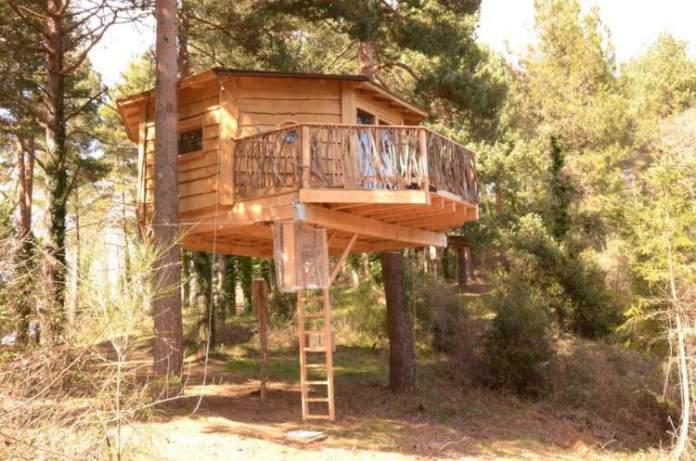 Cabanes als Arbres é um dos hotéis inusitados ao redor do mundo