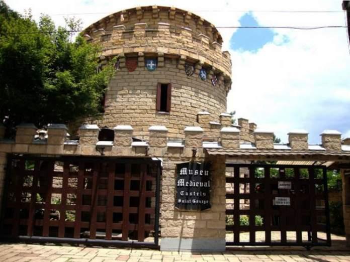 Museu Medieval do Brasil Castelo Saint George está entre um dos passeios inesquecíveis para fazer em Gramado