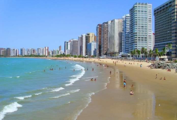 Praia de Meireles é uma das praias mais bonitas de Fortaleza