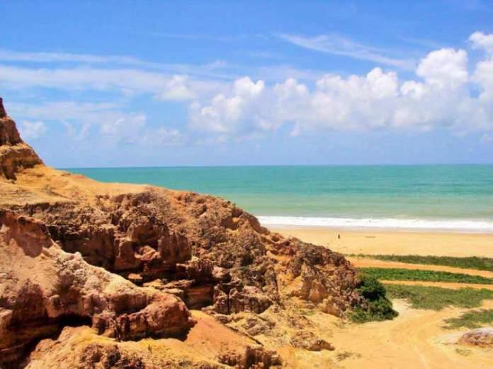 Praia do Gunga é um dos destinos com águas absolutamente claras para você conhecer no Brasil