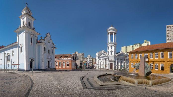 Praça Garibaldi no Centro Histórico de Curitiba