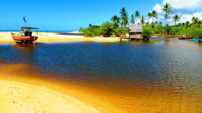 Praia do Rio dos Mangues, Porto Seguro - Bahia