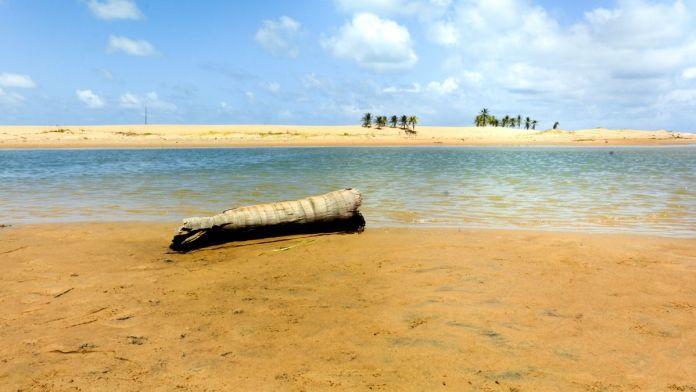 Náufragos é uma das melhores praias de Aracaju, Sergipe