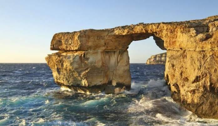Dwejra Bay na ilha de Malta