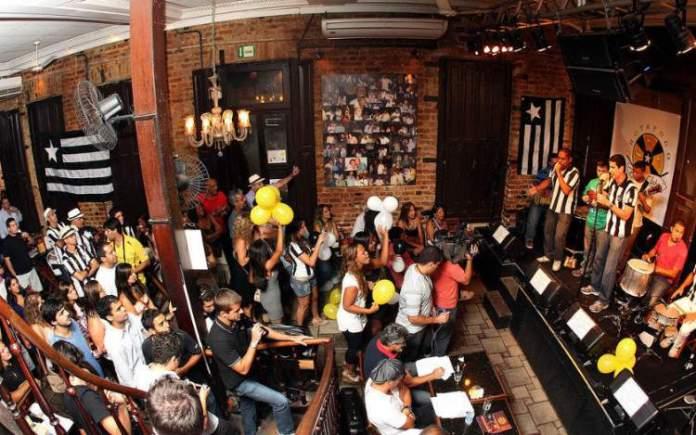 Carioca da Gema é uma das dicas de o que fazer a noite no Rio de Janeiro