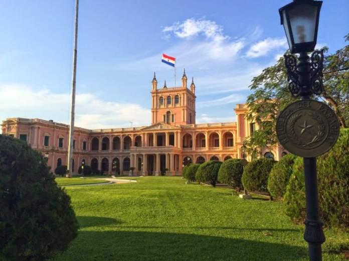 conhecer a Sede do Governo é uma das dicas de o que fazer no Paraguai