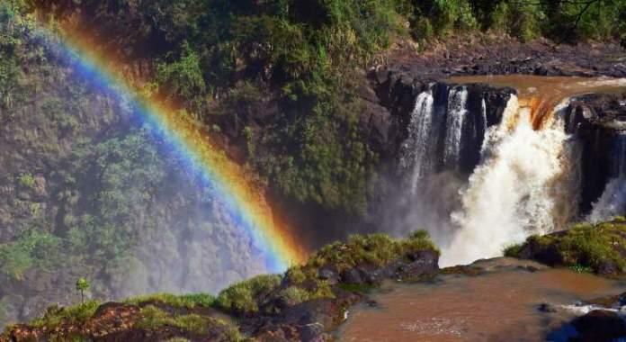 conhecer o Parque Municipal Saltos del Monday é uma das dicas de o que fazer no Paraguai