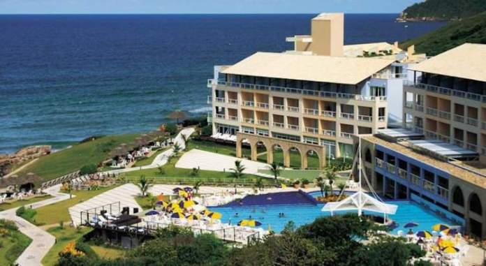 Costão do Santinho Resort Golf & Spa é um dos melhores hotéis pé na areia