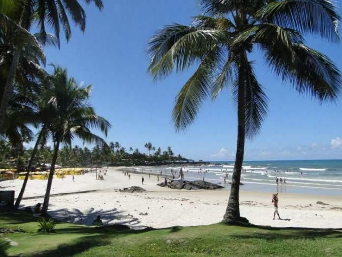 Visitar as praias do litoral sul é uma das dicas de o que fazer em Ilhéus na Bahia