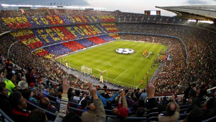 Visitar o Estádio Camp Nou é uma das dicas de o que fazer em Barcelona