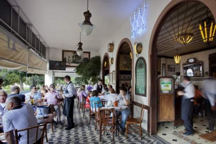 visitar o bar Brasília é uma das dicas de o que fazer a noite em Brasília