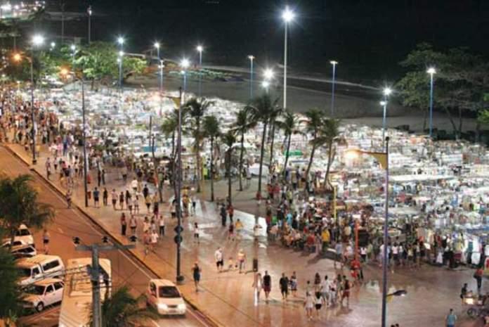 Aproveitar as noites agitadas é um dos motivos para fazer uma viagem para Fortaleza
