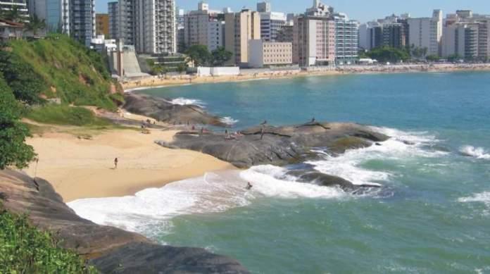 Guarapari no Espírito Santo é um dos melhores destinos para viajar em dezembro