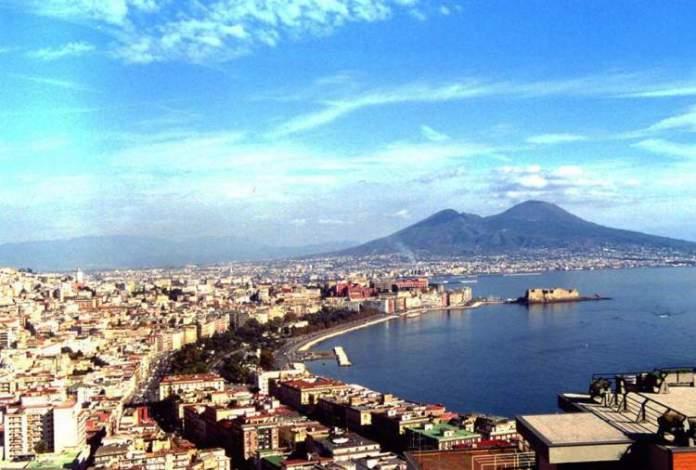 Nápoles na Itália é um dos destinos para viajar na Europa em 2018