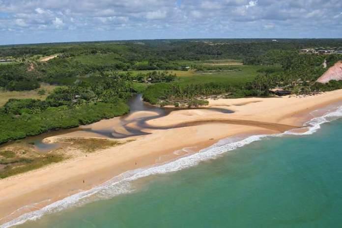 Praia do Rio da Barra é uma das 12 praias mais bonitas de Porto Seguro