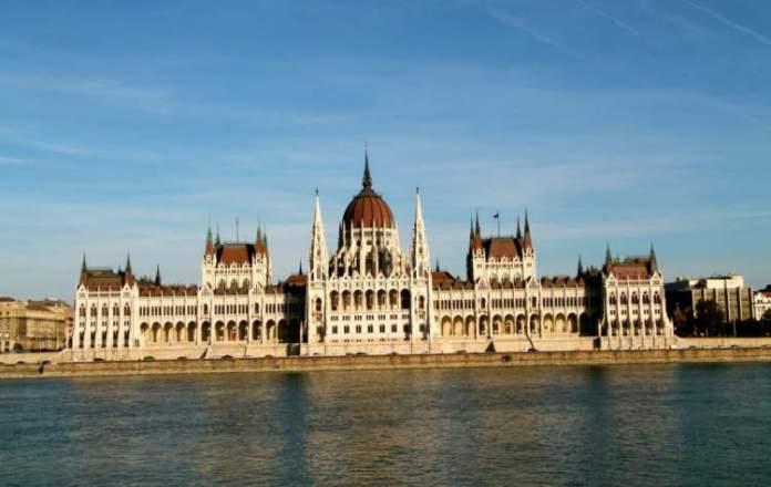 Visitar o Parlamento o que fazer em Budapeste