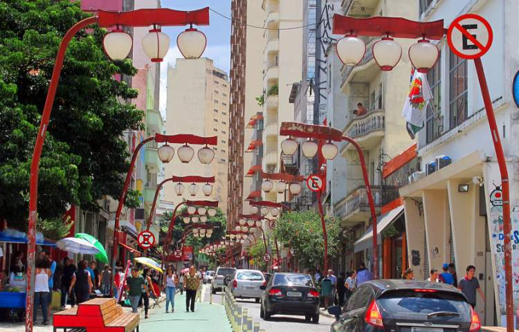 Bairro Liberdade é um dos locais para hospedar em São Paulo