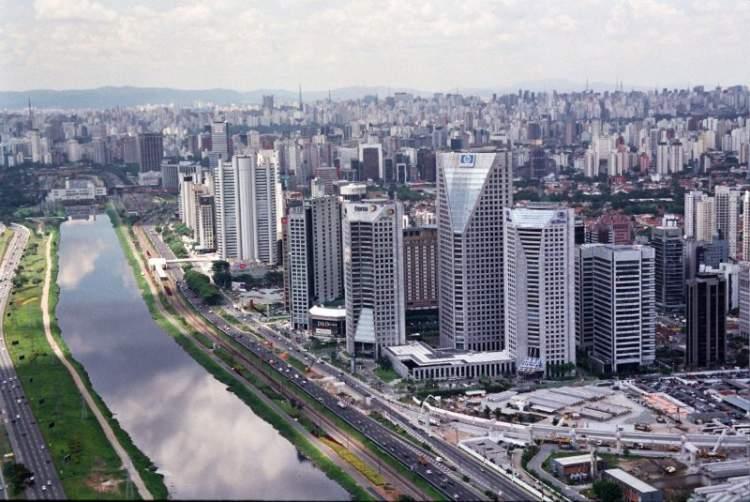 Bairro Pinheiros é um dos locais para hospedar em São Paulo
