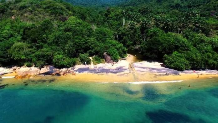 Praia do Abraão é uma das melhores praias de Ilha Grande