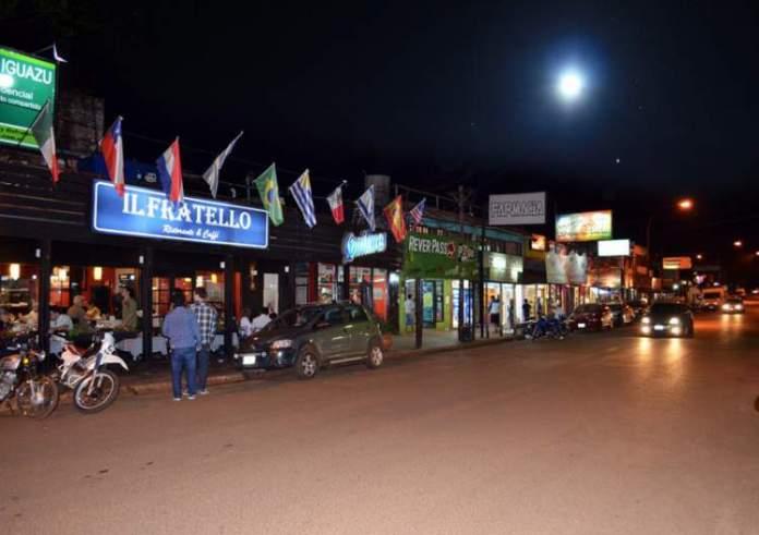 Cidade de Puerto Iguazú é um dos pontos turísticos próximos ao Cataratas do Iguaçu