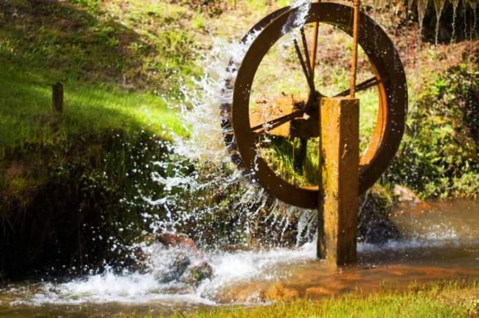 Conhecer a Roda d'Água é uma das dicas de o que fazer em Monte Verde