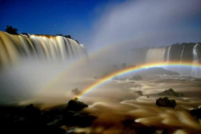 Fazer o Passeio da Lua Cheia é um dos passeios imperdíveis em Foz do Iguaçu