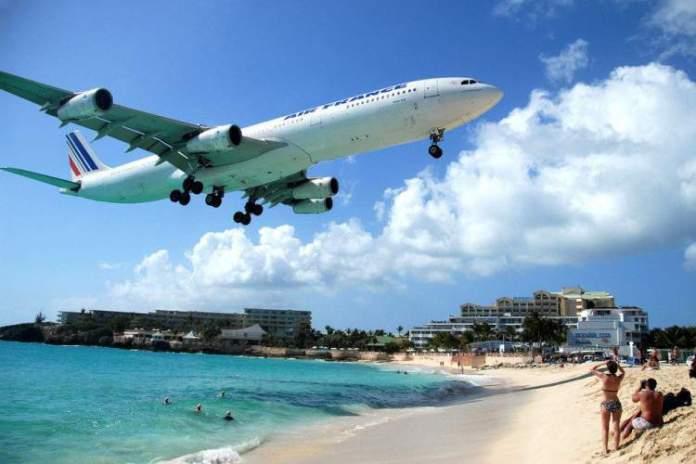 Maho Beach em St. Maarten, é uma das praias mais paradisíacas do Caribe