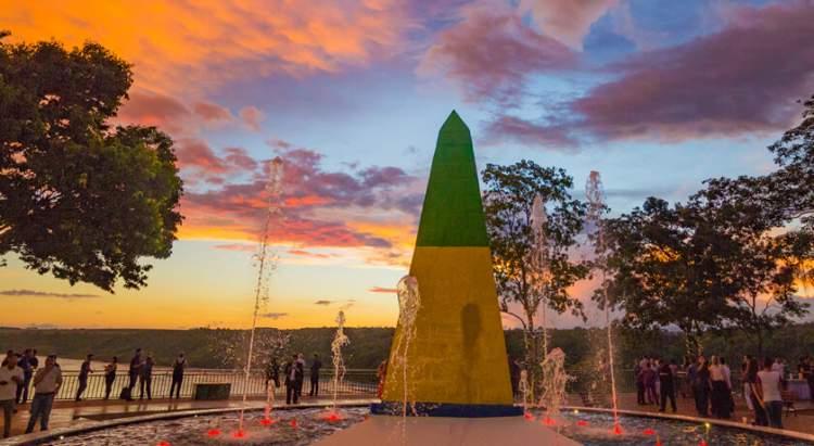 Marco das 3 fronteiras é um dos pontos turísticos próximos as Cataratas do Iguaçu