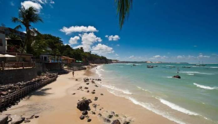 Praia da Pipa é um dos melhores destinos para casais em lua de mel