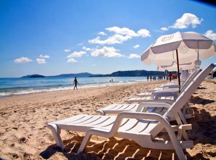 Praia de Jurerê é uma das praias mais paradisíacas de Florianópolis