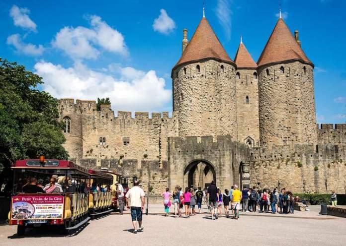 Carcassone na França é uma das cidades medievais que farão você viajar de volta no tempo