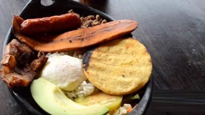 Conhecer a Gastronomia é uma das razões para você ficar encantado por Guatapé