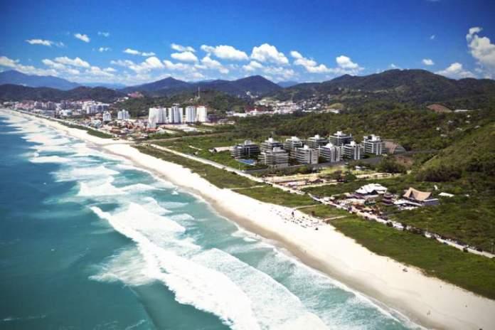 Praia Brava é uma das melhores praias de Balneário Camboriú