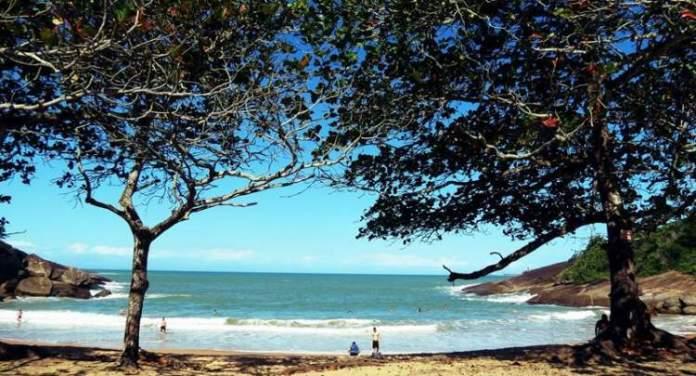 Praia dos Padres é uma das melhores praias de Guarapari