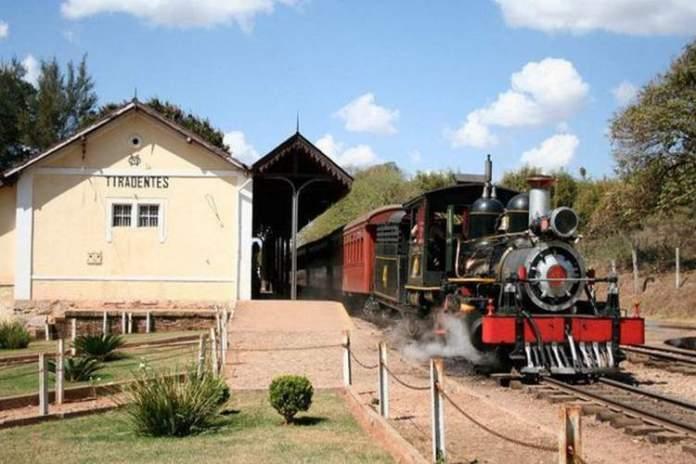 Tiradentes é uma das cidades em Minas Gerais que você precisa visitar