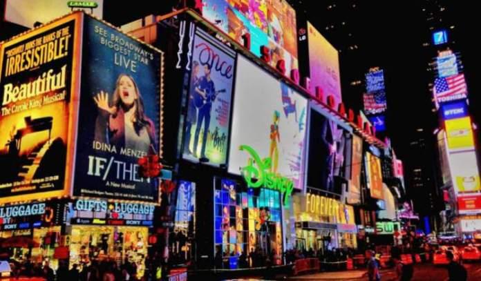 O que fazer em Nova York Assistir a um espetáculo na Broadway