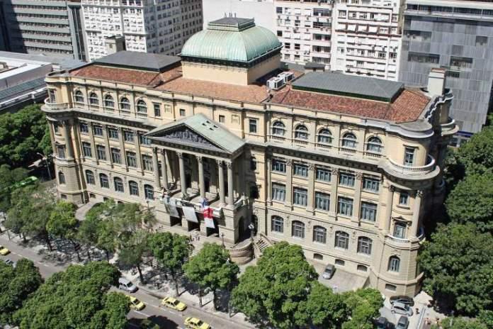 O que fazer no Rio de Janeiro: Visitar a Biblioteca Nacional