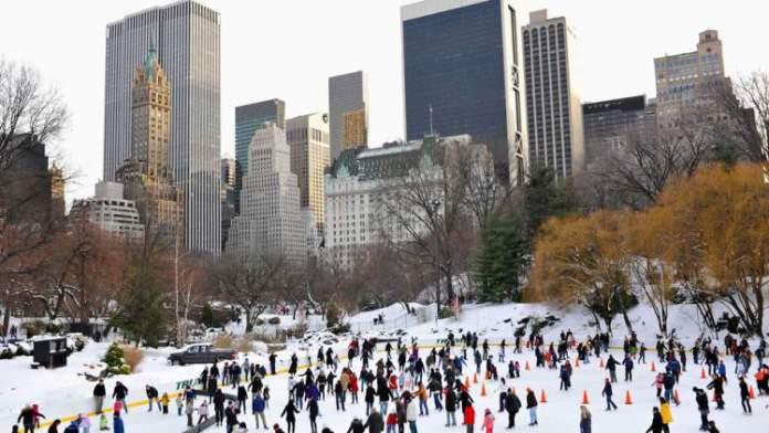 Patinação no Gelo no Central Park é uma das atrações no inverno de Nova York