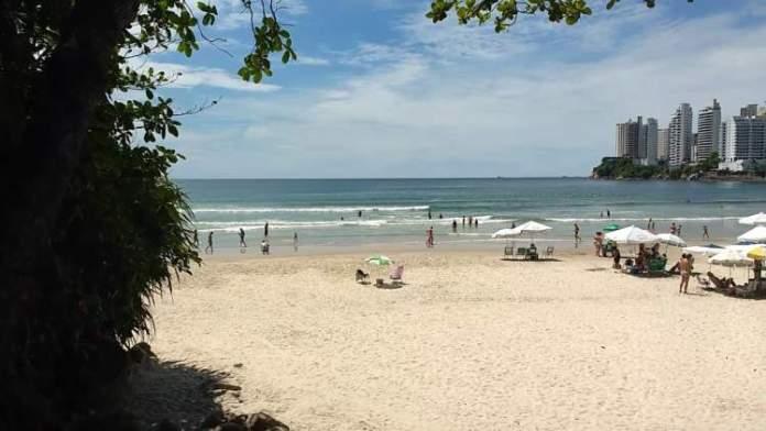 Praia das Astúrias é uma das melhores praias do Guarujá